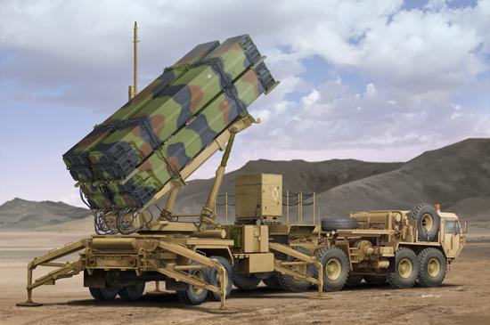 M983 HEMTT & M901 Launching Station MIM-104 Patriot SAM System (PAC-3) From Trumpeter Model Box Art.